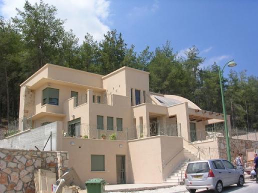 בית קומיסרציק2